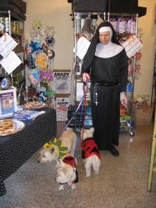 Crossing dressing dog wlkr